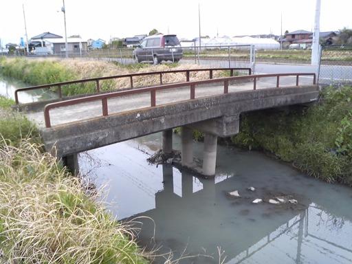 伊佐沼代用水路(古川排水)の橋【菅間】: きまぐれ小江戸かわごえ通信